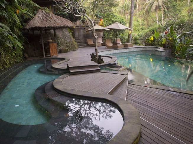 7 Tage 50-Stunden Aerial Yogalehrer Ausbildung auf Bali, Indonesien