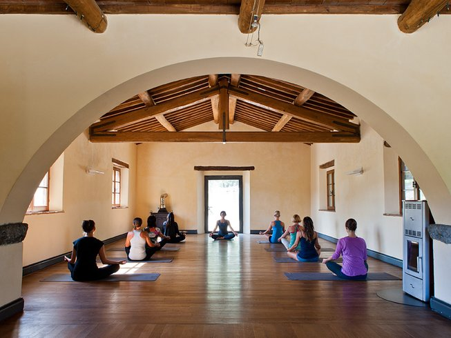 Yoga & meditation retreat in Tuscany