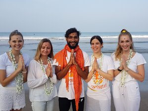 11 Tage 100-Stunden Meditation, Pranayama und Yogalehrer Ausbildung in Karnataka