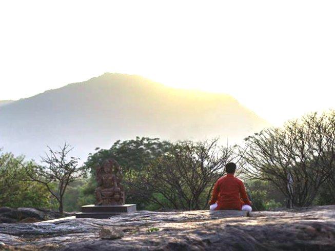 Eintauchen in Yoga in Indien   13.1. - 11.2.2018   Yoga Alliance 200 Stunden Yogalehrer Ausbildung