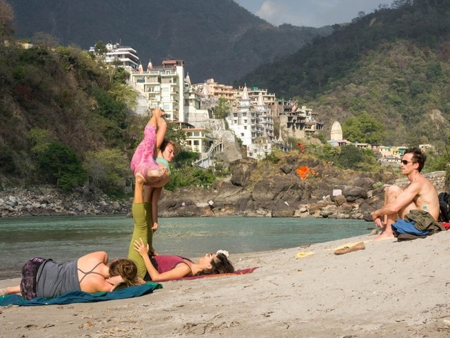 20 Days Festival of Colors and Yoga Retreat in India