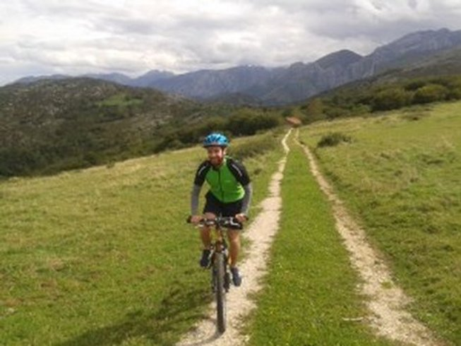 6 Days Mountain Bike and Yoga Retreat in Asturias, Spain