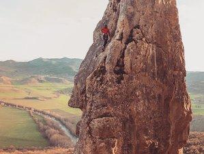 8 días de vacaciones de yoga de ecolujo y escalada en Osinaga, Pamplona, Navarra