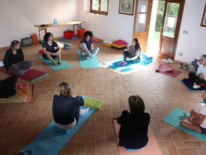 4 Day The Root to One's Self Trekking and Yoga Retreat in Siena, Val d'Orcia