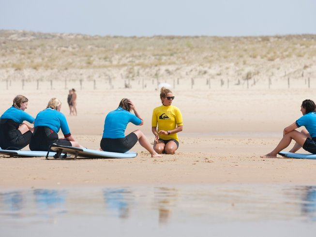 8 Days All Levels Adult Surf Camp in Mimizan, Nouvelle-Aquitaine, France