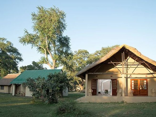 4 Days Safari in South Luangwa National Park, Zambia