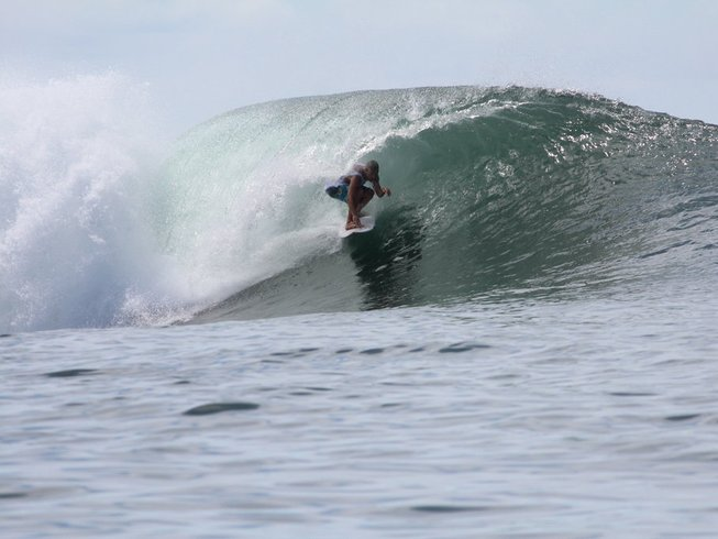 8 Days Samoa Surf