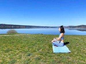 7 jours de yoga, randonnées et cours de cuisine végétarienne au Lac de Naussac, Occitanie