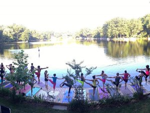 7 Days Lake Barcroft SUP and Yoga Holiday in Virginia, USA