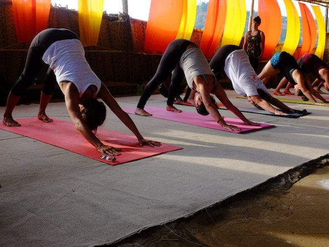 35 Tage 300-Stunden Ashtanga Vinyasa Yogalehrer Ausbildung in Gokarna, Indien