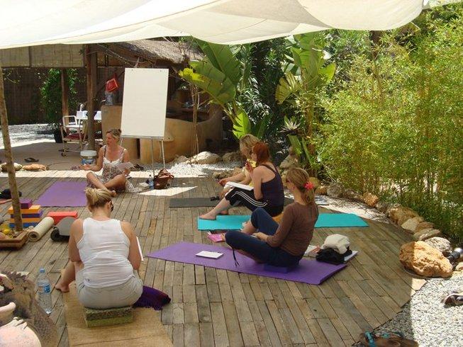 13-Daagse Kerst en Nieuwjaars Yoga Retraite in Spanje