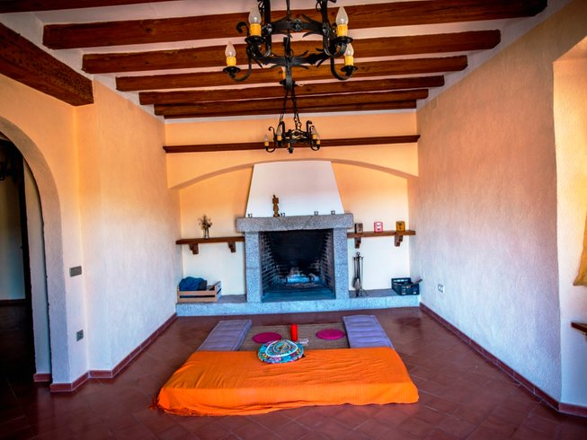 3 Days Weekend Rural Meditation and Yoga Retreat in Spain