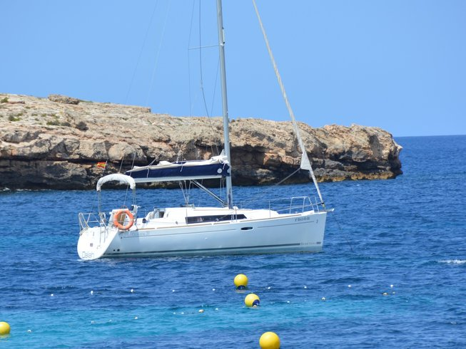 4 Days Luxury Sailing Yoga Retreat in Ibiza, Spain