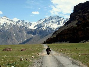 9 Day The Five Valley Trail Guided Motorcycle Tour in Himachal Pradesh