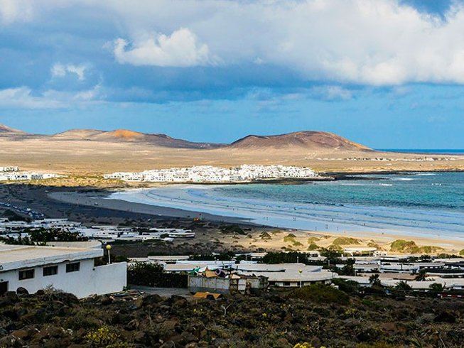 8 Days Beginner's Surf Camp in Caleta de Famara, Teguise, Spain