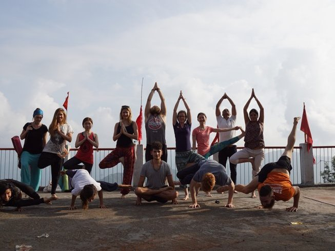 15-Daagse Betaalbare Meditatie en Yoga Retraite in Rishikesh, India