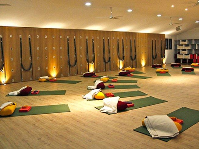 8 Days Balancing Scaravelli Yoga Retreat Andalucia, Spain