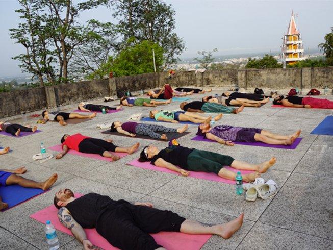 27-Daagse 200-urige Yoga Docentenopleiding in Rishikesh, India