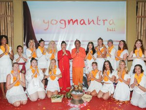 25 días de profesorado TTC de yoga Ashtanga, Vinyasa y Yin de 200 horas con curso de ayurveda y masaje en Bali