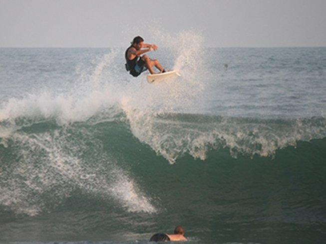 7 Days Surf Camp Central America in El Savador
