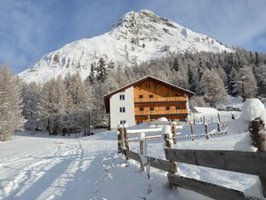 8 Day Winter Wonder Yoga and Outdoor Activities Retreat in the Alpine Nature of Austria