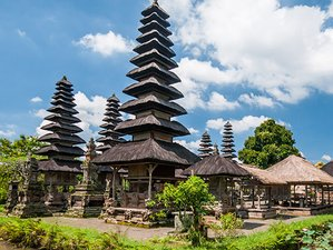 4 Day Indonesian Yoga Meditation with Tour to Beach, Temple, and Ubud in Bali