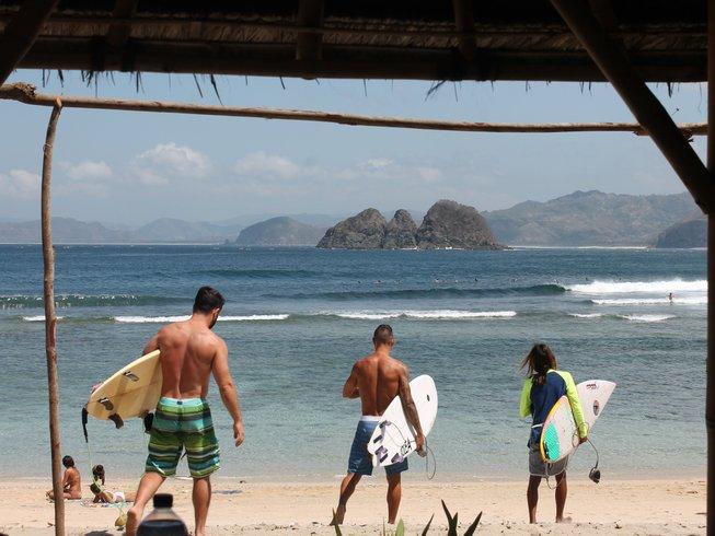 4 Days Exciting Surf Camp in Senggigi, Lombok, Indonesia
