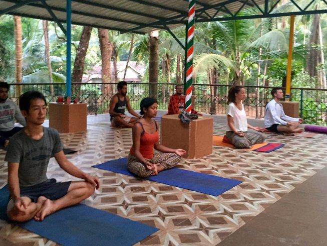 14 jours en stage de yoga nidra et ayurveda à Karnataka, Inde