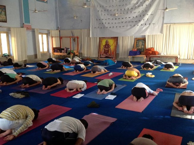 38 Days 300-Hour YTT Course in Rishikesh, India