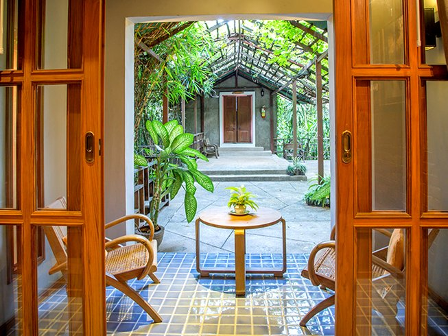 8 Days Acrobatic Yoga Retreat in Chiang Mai, Thailand