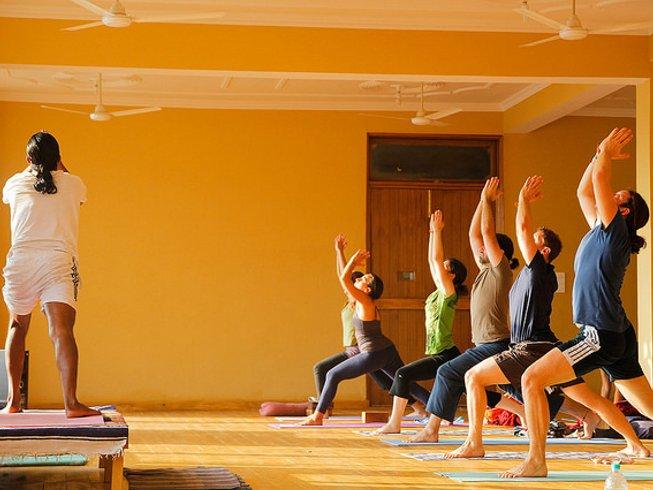 58 días profesorado de yoga intensivo y avanzado de 500 horas en Rishikesh, India