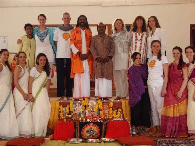 28 Days Yoga Teacher Training in Kerala, India