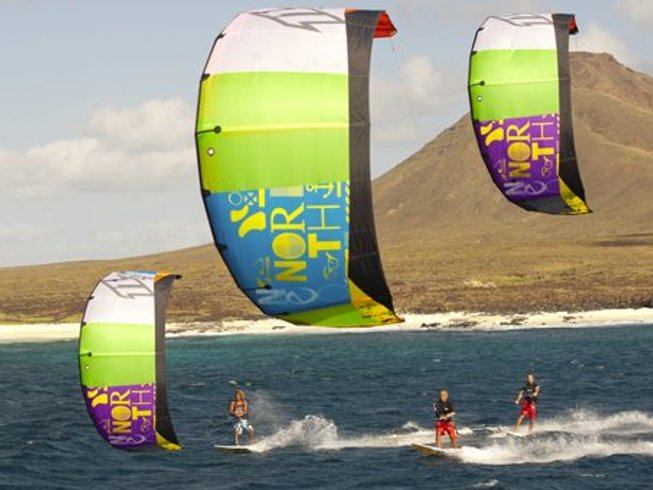 8 Days Beginner's Kitesurfing Camp in Corralejo, Spain