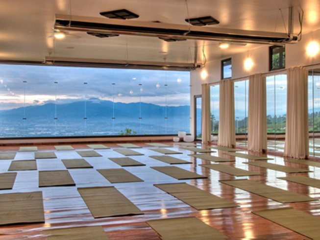 8 Days Kripalu Yoga and Meditation Retreat in Costa Rica
