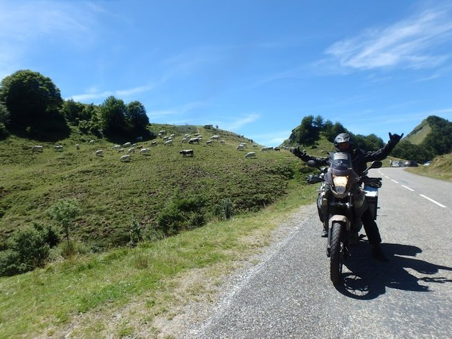 5 Days Pre-Pyrenees Bergueda Enduro Motorcycle Tour in Catalonia, Spain