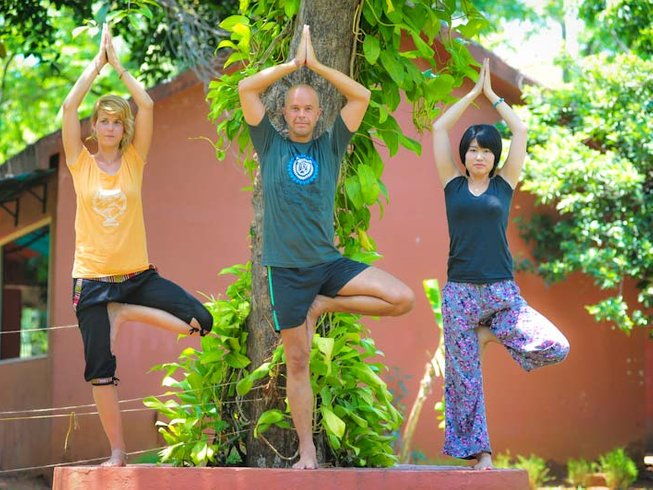 6 Days Beginner & Intermediate Yoga Retreat in India