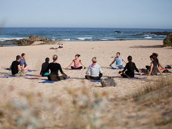 14 Days Yoga Alliance 200-Hour Vinyasa Yoga and Ayurvedic Therapy in Algarve, Portugal