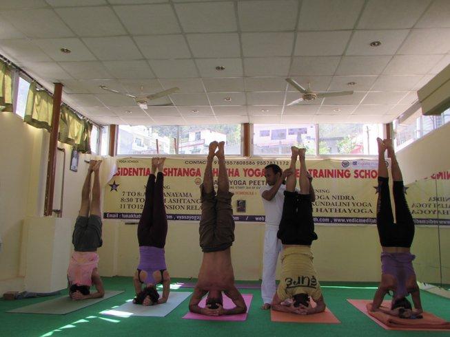 15-Daagse Intensieve Yoga Retraite voor Gevorderden in Rishikesh, India
