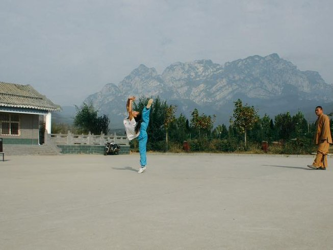 30 Days Traditional Shaolin Kung Fu Training in Denfeng, China