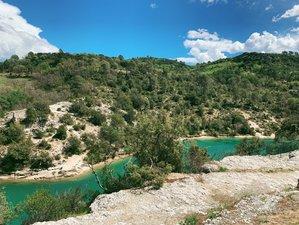 Vacances yoga revitalisantes : 6 jours d'aventure, d'art et de méditation dans le sud de la France