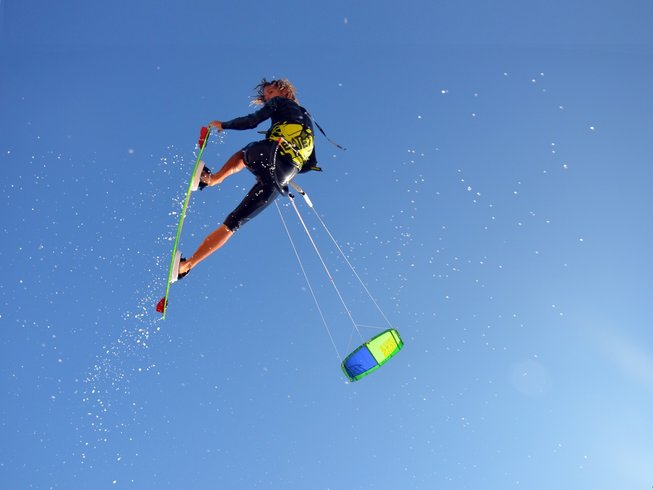 7 Days Thrilling Kitesurfing Camp Spain