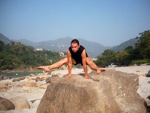 6 Days Self-Empowering Yoga Ashram in Rishikesh, India