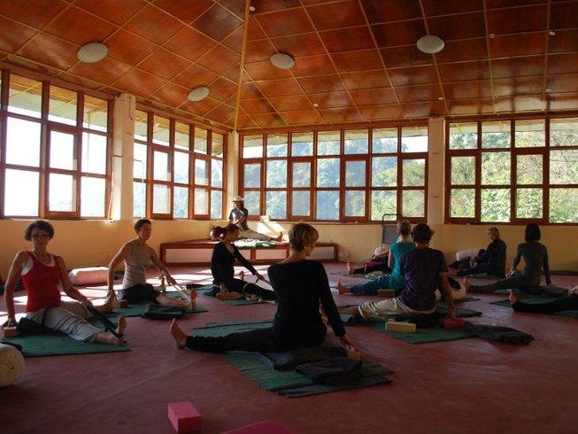 7 Days Yoga & Ayurveda Holiday in India