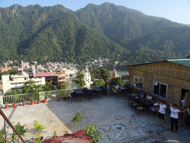 26 Tage 200-Stunden Hatha Yogalehrer Ausbildung in Rishikesh, Indien