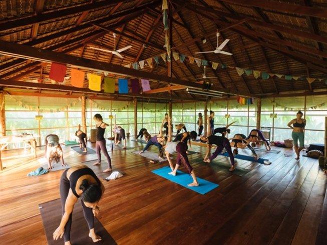 28 días profesorado de yoga de 200 horas en Surat Thani, Tailandia