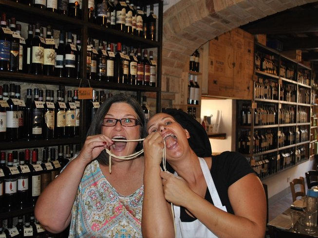 7 Days Tuscan Cooking Vacation in Montefollonico, Italy