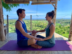 7 Days Art to be Together Couple's Yoga Retreat with Massage Course and Balinese Ceremony, in Lovina
