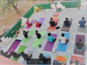 15 días profesorado de meditación 100 horas en Rishikesh, India