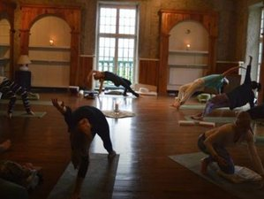 11 Days Introduction to the Yoga Sutras of Patanjali 80-hr Yoga Teacher Training Module I in France
