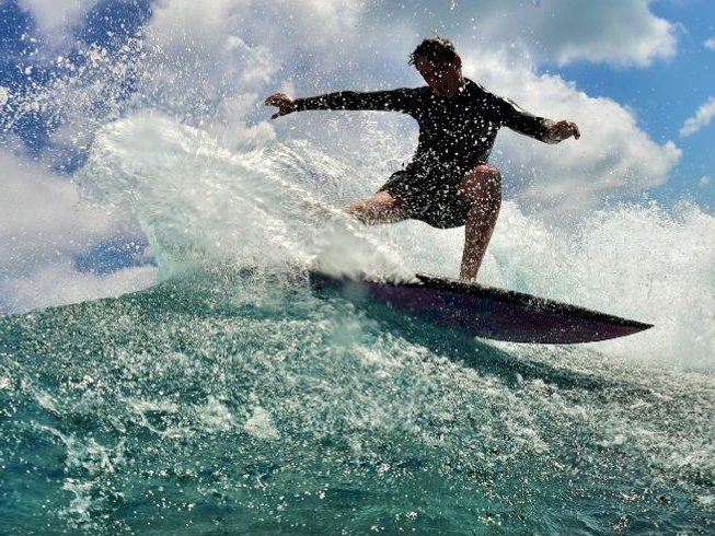 4 Days Surf Camp in Malé, Republic of Maldives